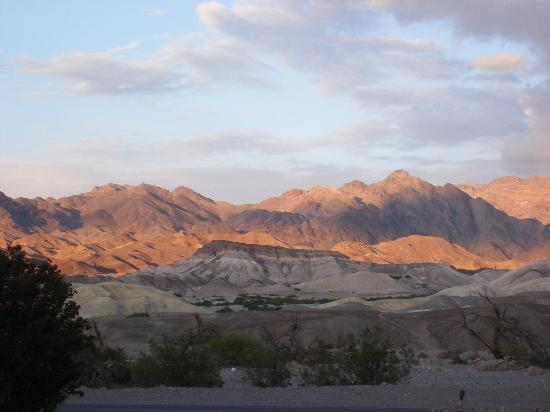 dusk-in-death-valley